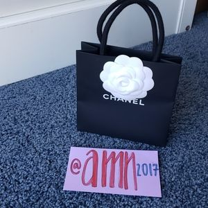 Chanel Shopping bag with Camelia flower 🌼
